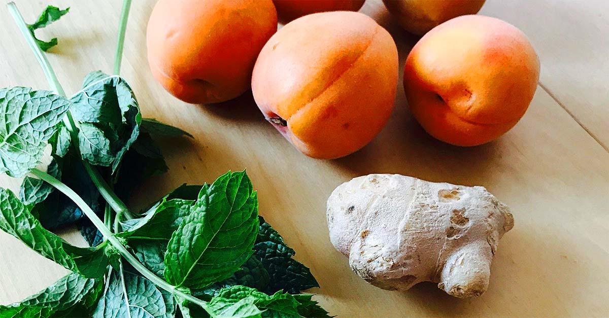 Rezept: Aprikosen-Minze-Ingwer-Smoothie