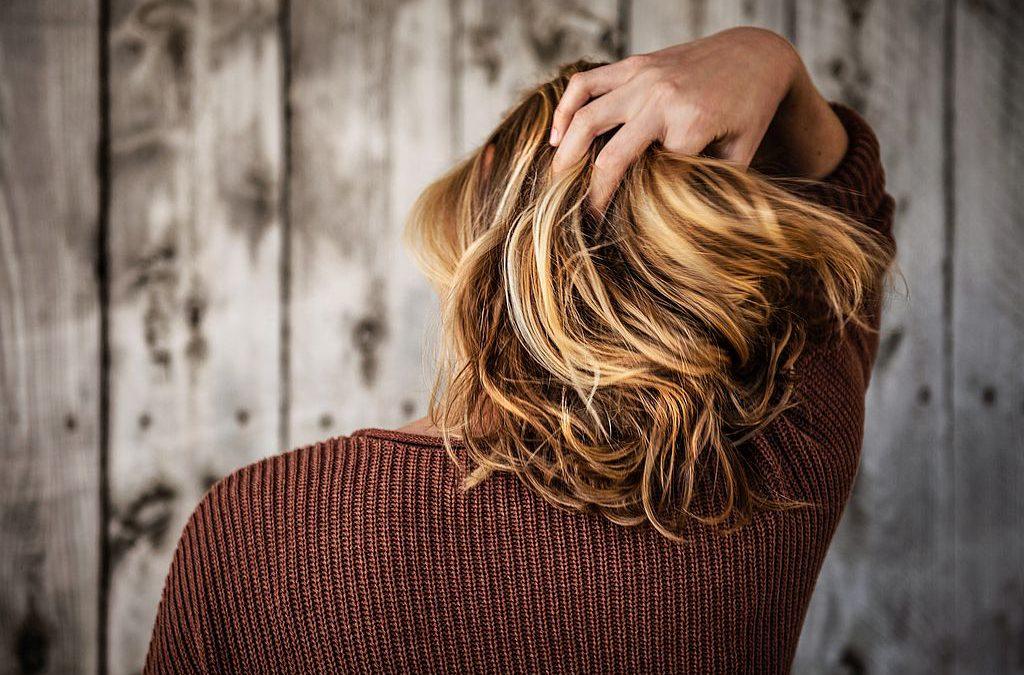 Tipps für schnelle Frisuren: perfekt gestylt in wenigen Minuten